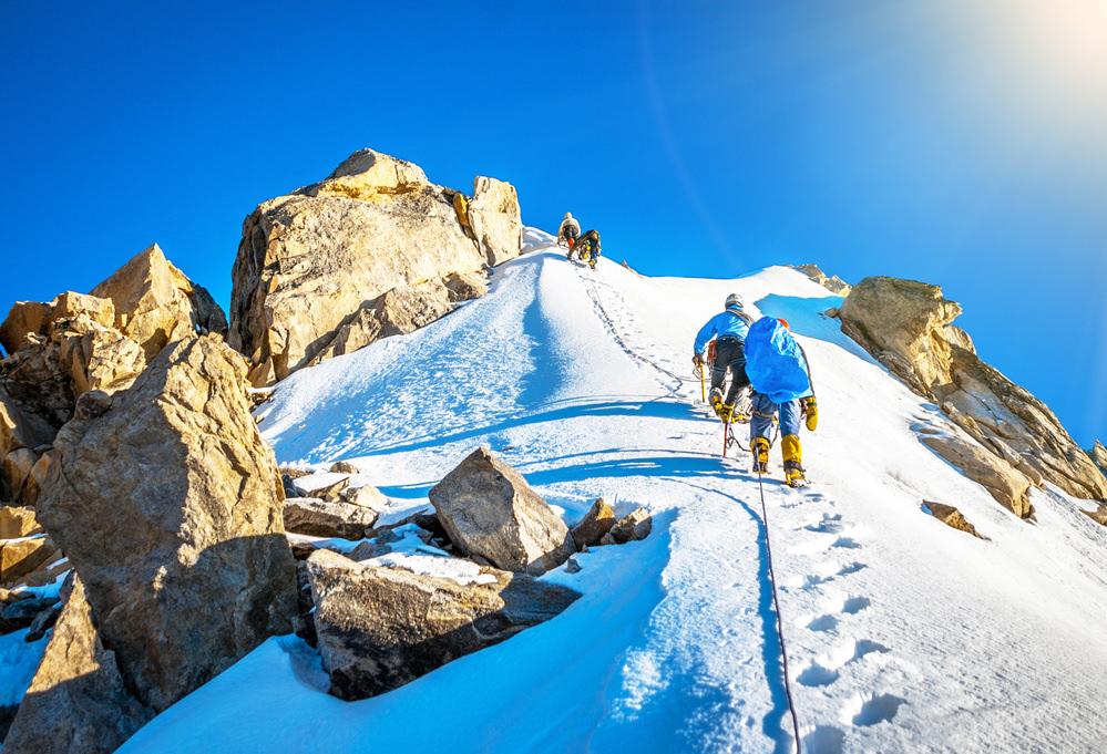 Ратраки ― самая эффективная спасательная техника на Эльбрусе