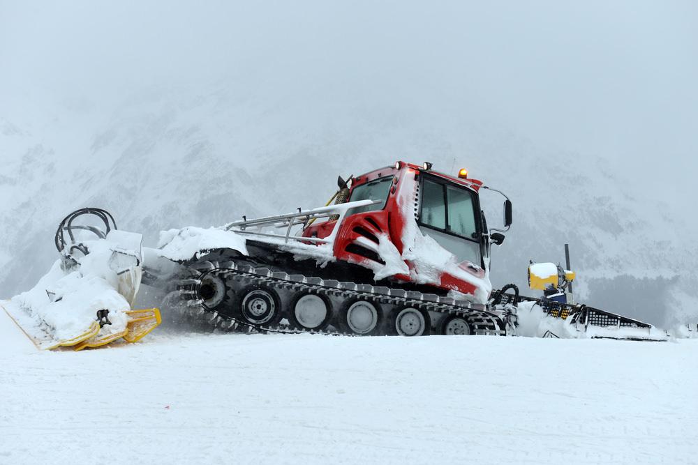 Snowcat - машина для уборки снега