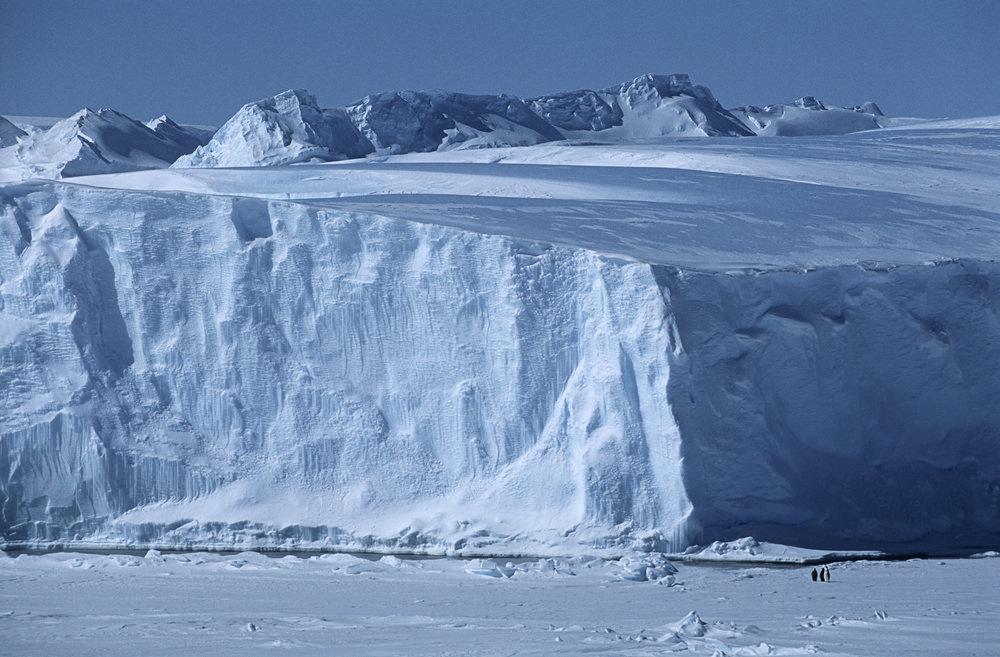 Огромный ледник