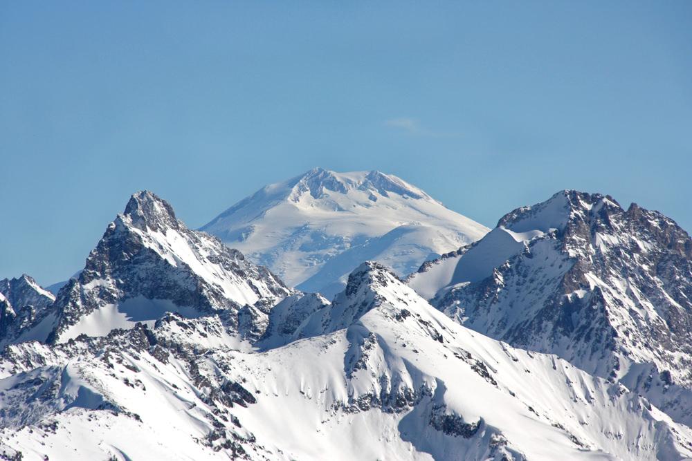 Горы и снег
