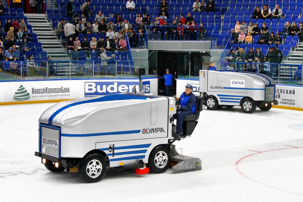 В Белоруссии планируют выпускать машины для заливки льда и ратраки