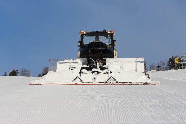Укладка снега ратраком Rizin